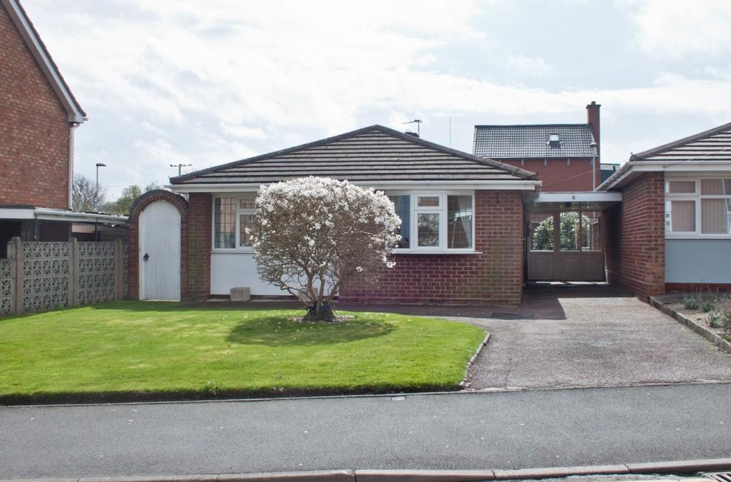 2 Bedrooms Detached Bungalow for sale in Redwood Drive, Chase Terrace