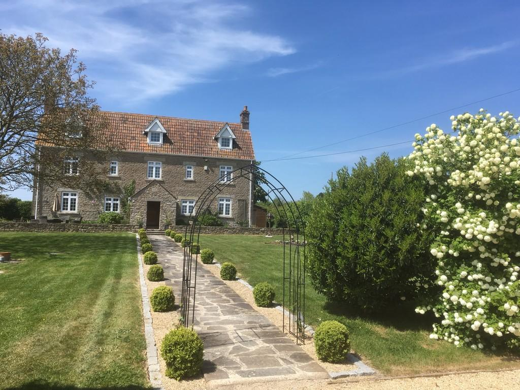 5 Bedrooms Detached House for sale in Standerwick