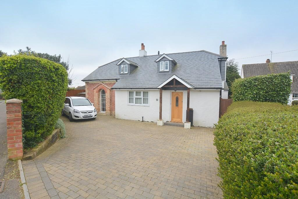 4 Bedrooms Chalet House for sale in Hayes Lane, WIMBORNE