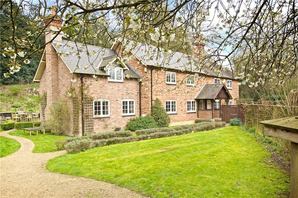 5 Bedrooms Unique Property for sale in Pinfold Pond, Woburn, Milton Keynes, Bedfordshire