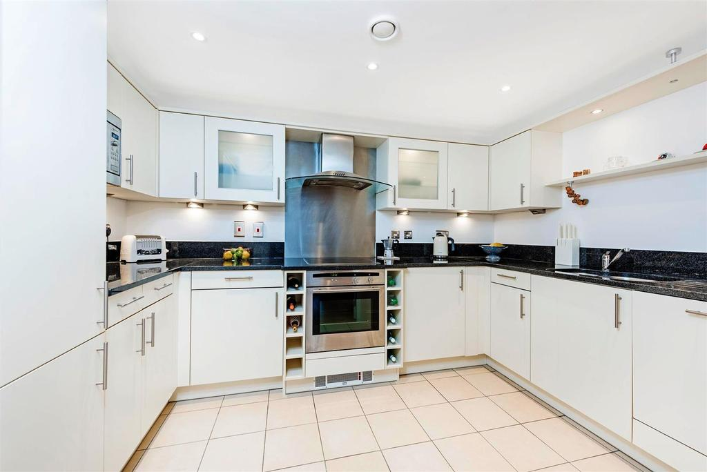 2 Bedrooms Flat for sale in Vauxhall Bridge Road, London, SW1V