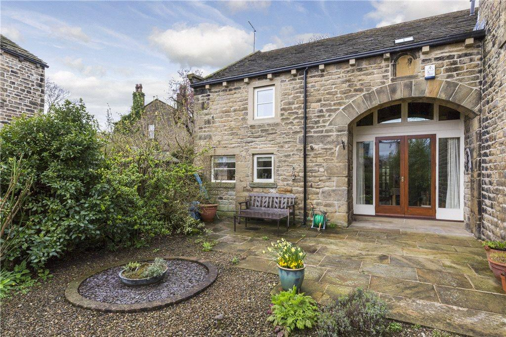 4 Bedrooms Barn Conversion Character Property for sale in Swallow Barns, Green Lane, Eastburn, Keighley