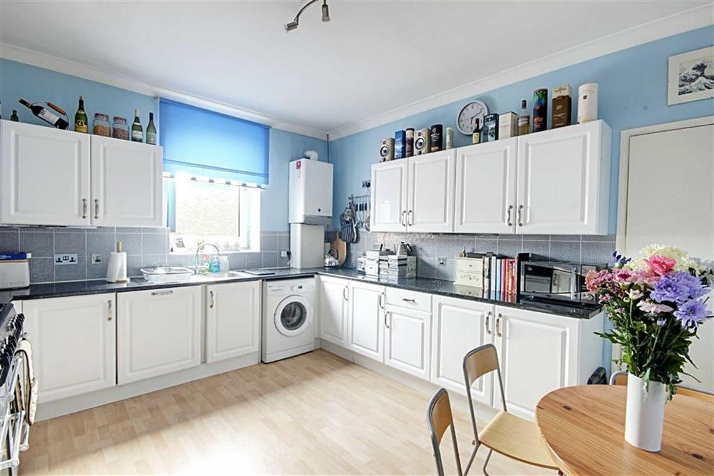 3 Bedrooms Flat for sale in Mortimer Road, South Shields, Tyne And Wear