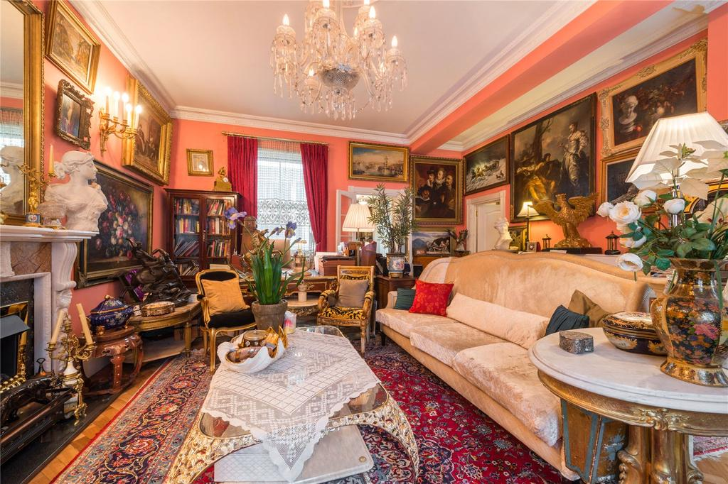 2 Bedrooms Flat for sale in Hyde Park Gardens, London