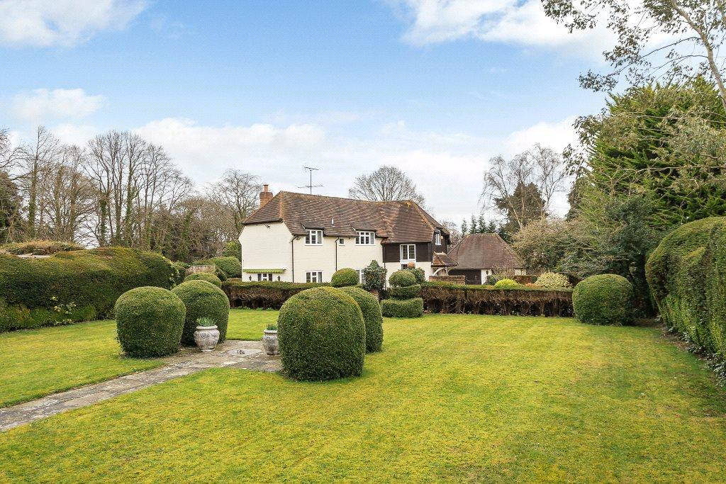 4 Bedrooms Detached House for sale in Woodlands Road, Harpsden, Henley-on-Thames, RG9