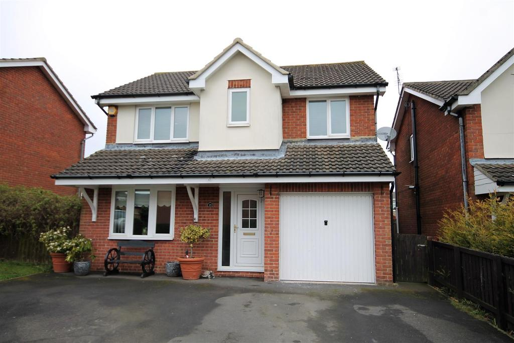 4 Bedrooms Detached House for sale in South Court, Spennymoor