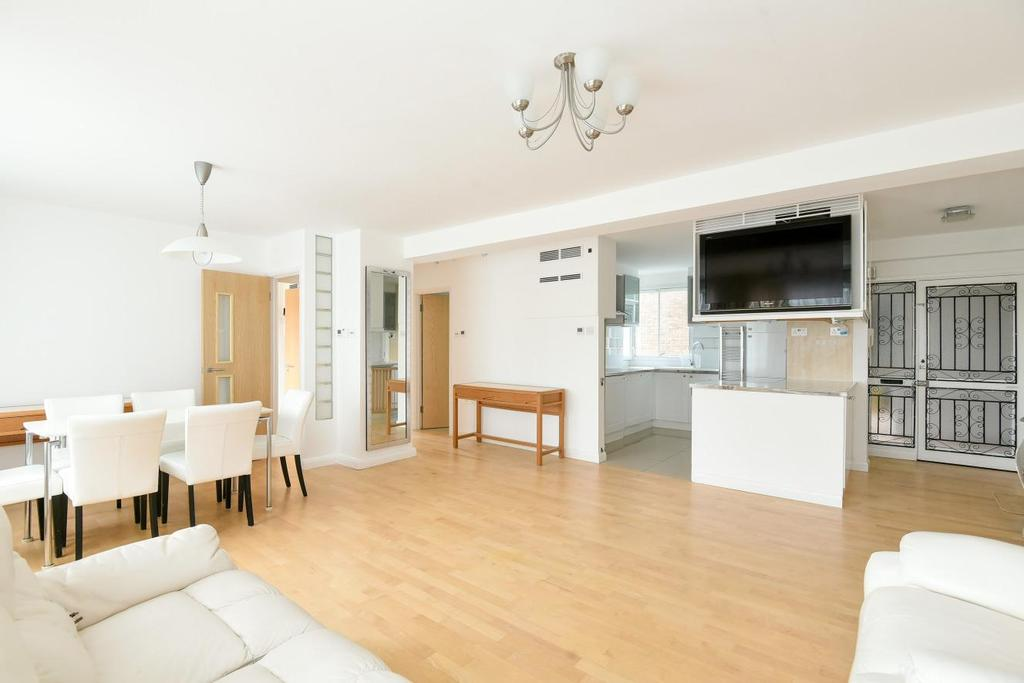 2 Bedrooms Flat for sale in Farquhar Road, Crystal Palace, SE19