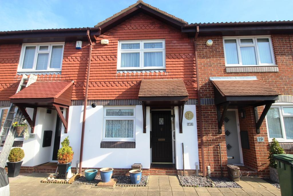 2 Bedrooms Terraced House for sale in Timothy Close Bexleyheath DA6
