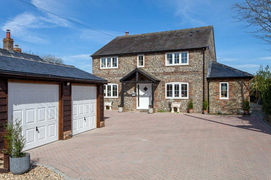 4 Bedrooms Detached House for sale in Crowell, Chinnor, OX39
