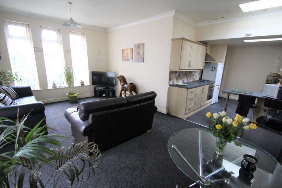 2 Bedrooms Bungalow for sale in TEMPLE MEWS, HALTON, LEEDS, LS15 0QL