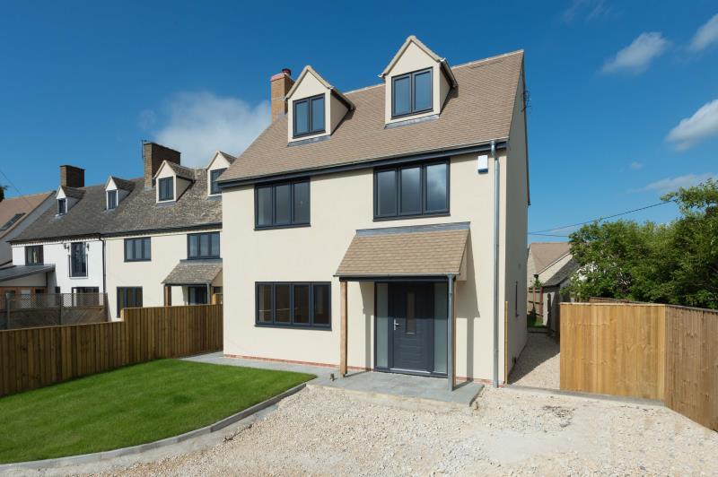 4 Bedrooms Detached House for sale in Bankside, Pond Hill, Stonesfield, Witney