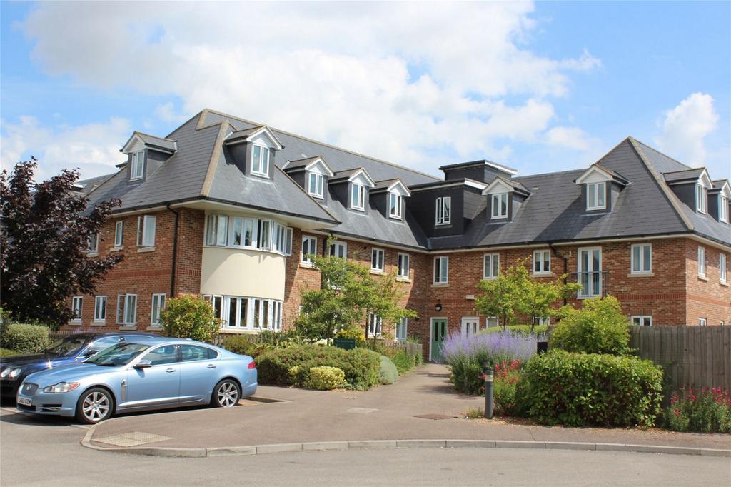 3 Bedrooms Flat for sale in Woodland Grange, Hay Street, Steeple Morden, Cambridgeshire