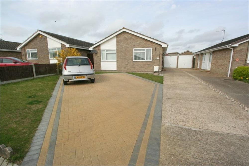 3 Bedrooms Detached Bungalow for sale in Sycamore Way, Kirby Cross, FRINTON-ON-SEA, Essex