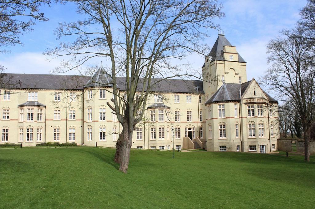 2 Bedrooms Flat for sale in Fairfield Hall, Fairfield, Stotfold, Hitchin, Hertfordshire