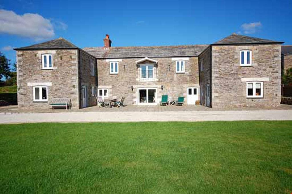 6 Bedrooms Barn Conversion Character Property for sale in Grampound Road, Nr. Truro, Cornwall, TR2