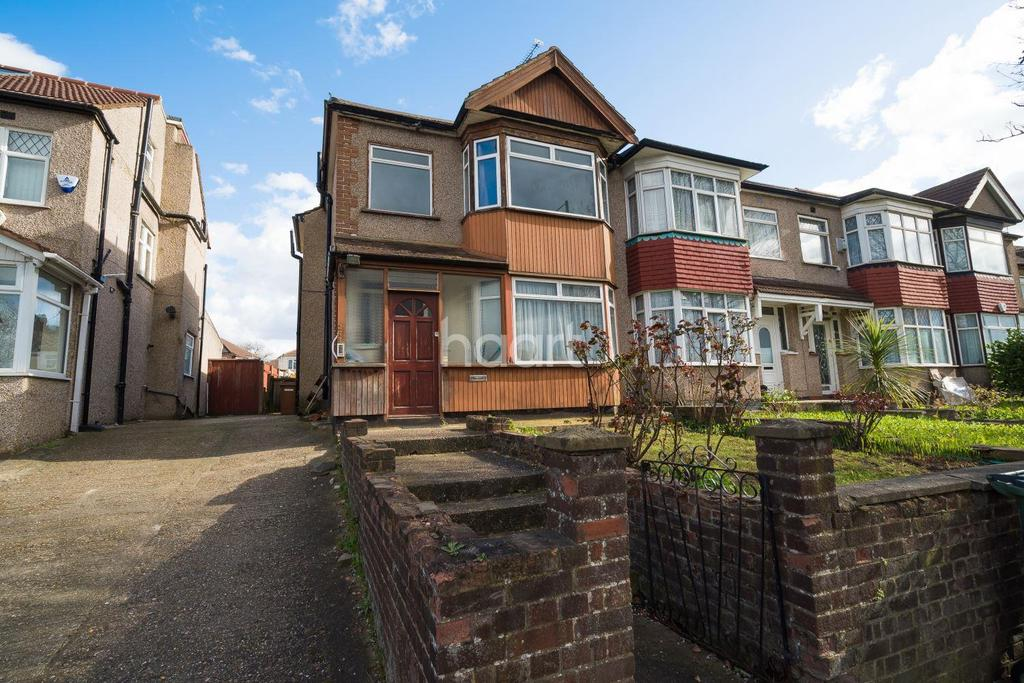 3 Bedrooms End Of Terrace House for sale in Camrose Avenue, Edgware, HA8