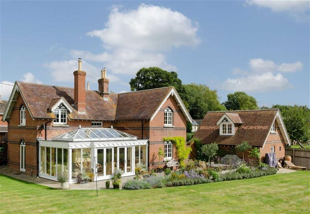 5 Bedrooms Detached House for sale in Witchampton, Wimborne, Dorset