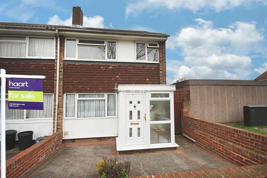 3 Bedrooms End Of Terrace House for sale in Sussex Close, Redbridge