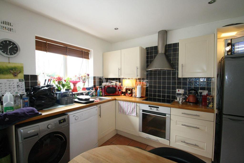 2 Bedrooms Cottage House for sale in Furnace Row, Troedyrhiw, Merthyr Tydfil