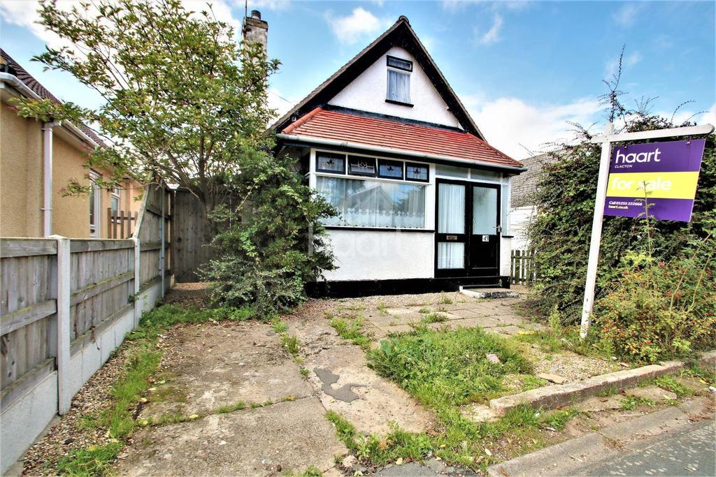 3 Bedrooms Bungalow for sale in Cornflower Road, Clacton-on-Sea