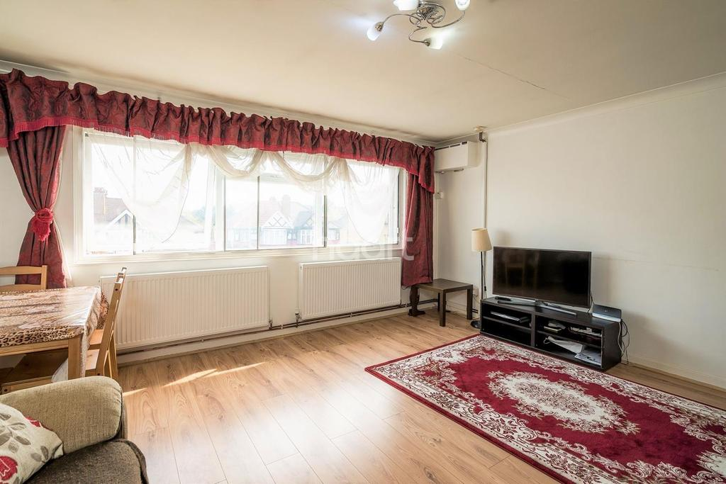 1 Bedroom Flat for sale in Gainsborough Court, Kenton Road, HA3