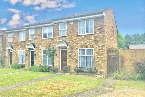3 bedroom end of terrace house to rent - Holmsdale Close, Iver, Buckinghamshire
