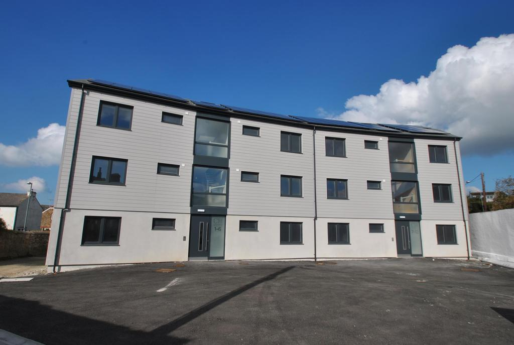 2 Bedrooms Apartment Flat for sale in Flexbury Park Road, Bude