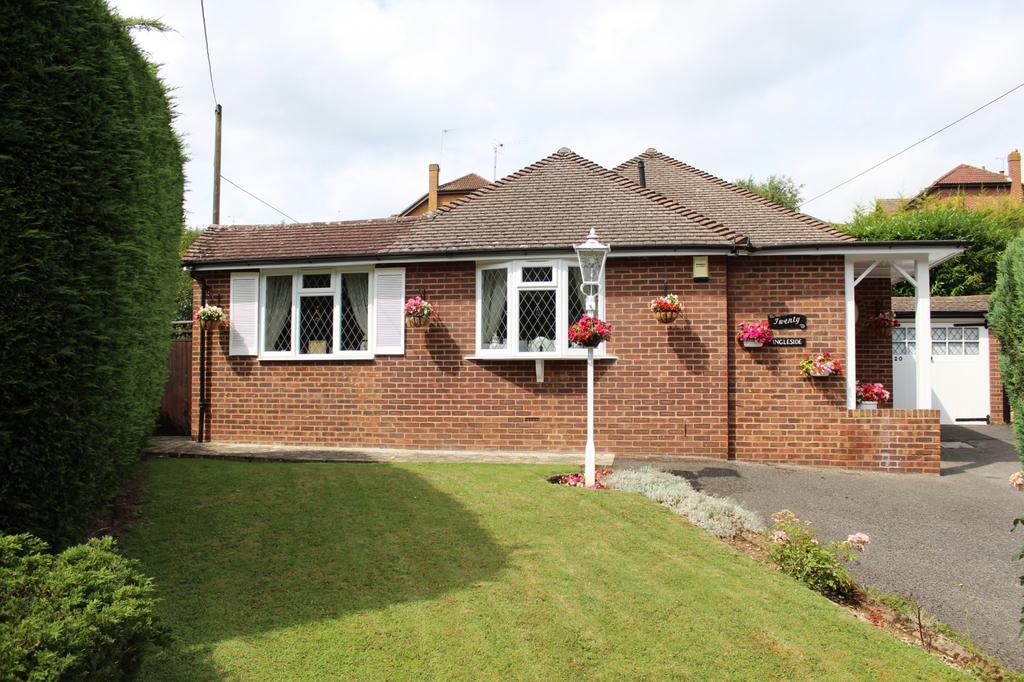 3 Bedrooms Bungalow for sale in Marlow Bottom Road, Marlow Bottom