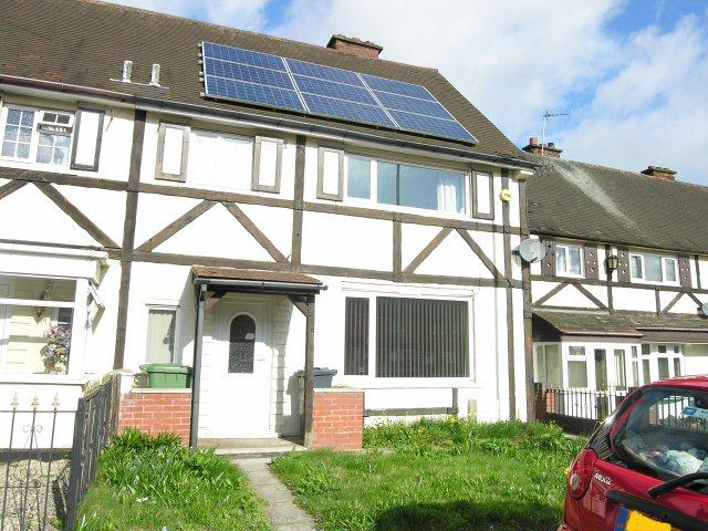 3 Bedrooms Semi Detached House for sale in Hardy Road,Goscote,Walsall