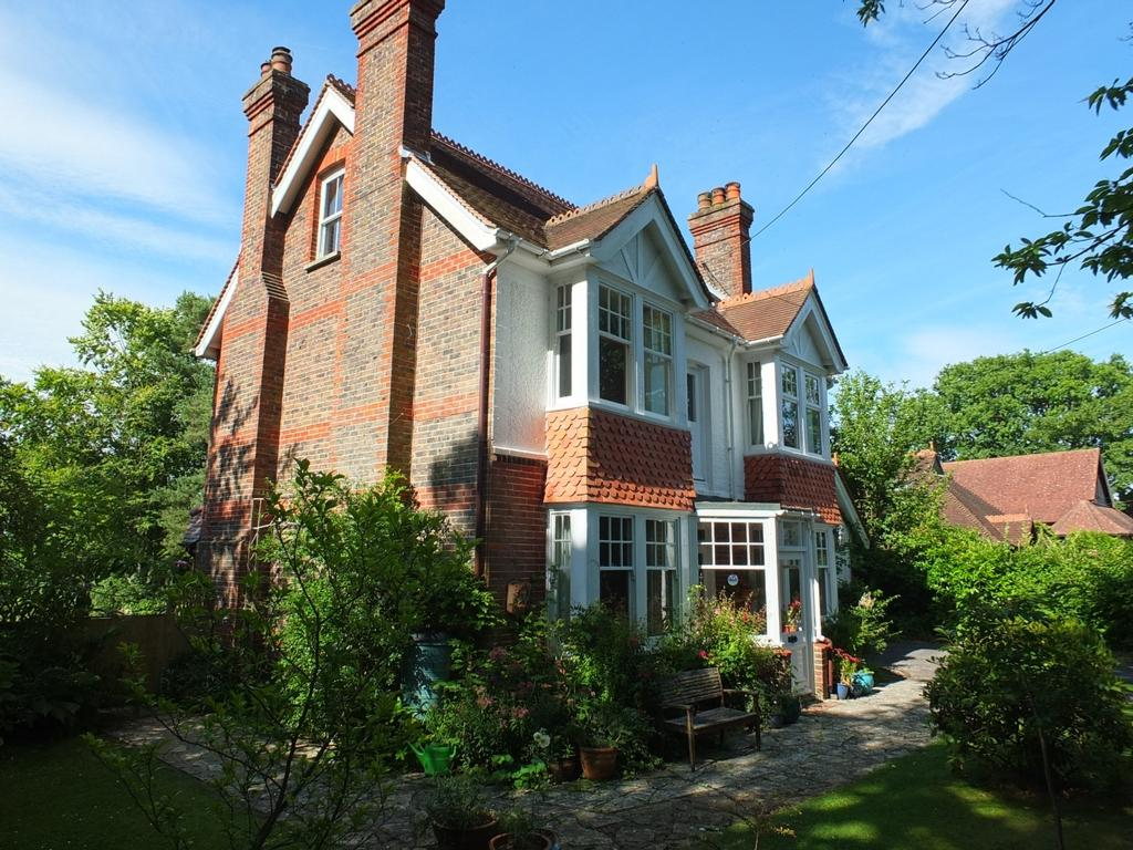 6 Bedrooms House for sale in Station Road, Horsted Keynes, RH17