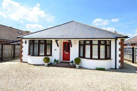 4 bedroom chalet to rent - Fennels Way, Flackwell Heath, HP10