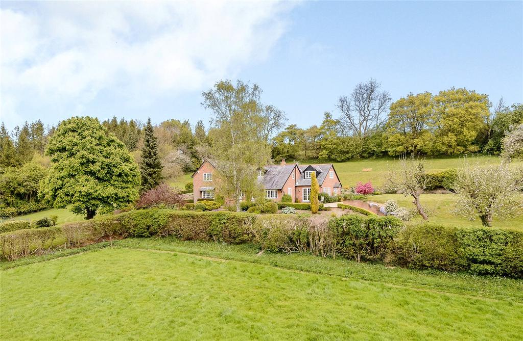 5 Bedrooms Detached House for sale in Hawridge, Chesham, Buckinghamshire