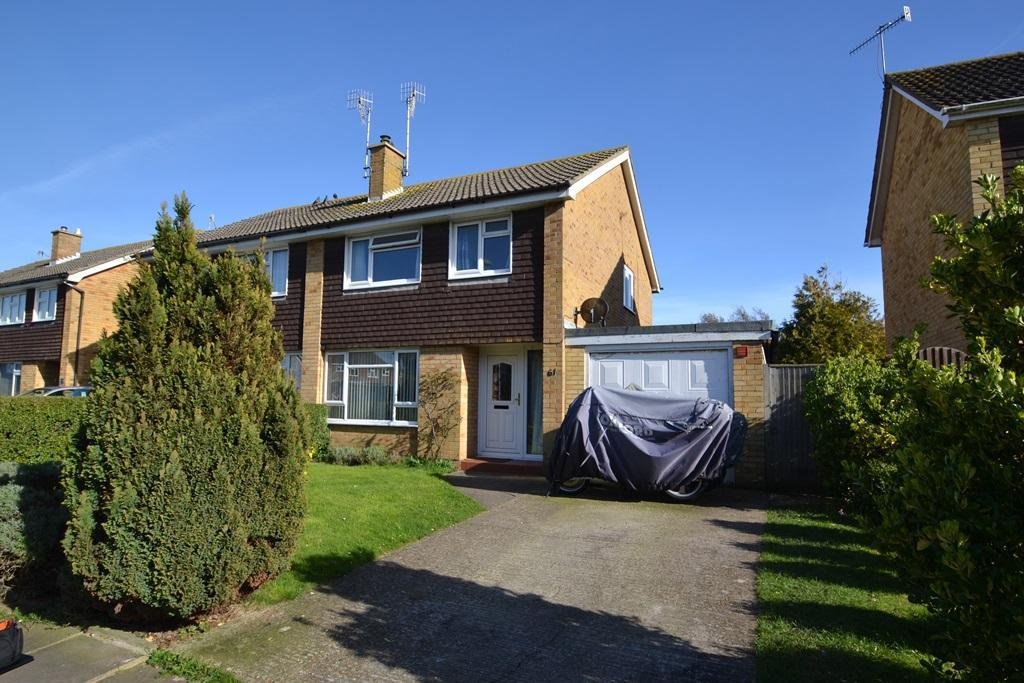 3 Bedrooms Semi Detached House for sale in Upton Road, Tarring, Worthing, BN13 1BY
