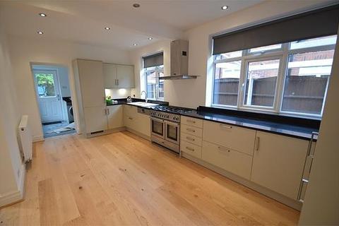 4 bedroom semi-detached house to rent - Framingham Road, Sale