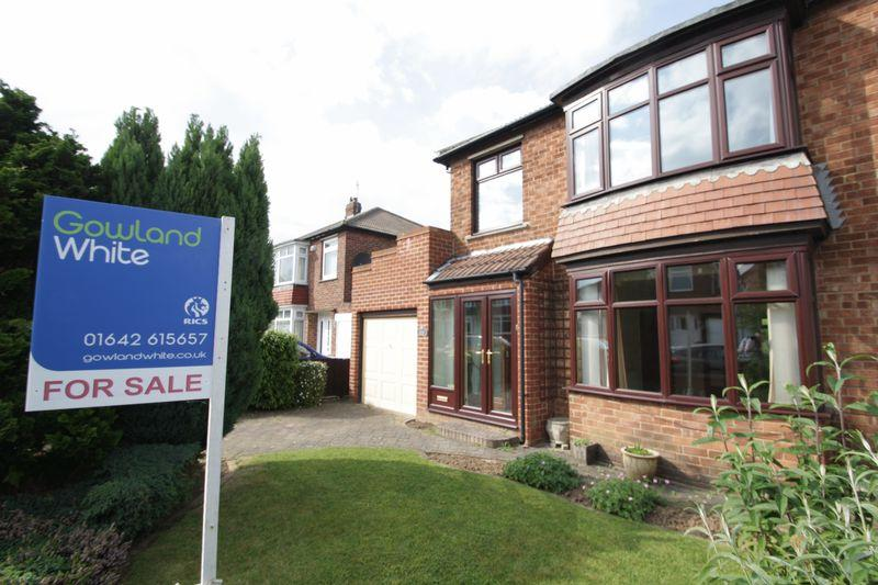 3 Bedrooms Semi Detached House for sale in Rounton Grove, Fairfield, Stockton, TS19 7QL