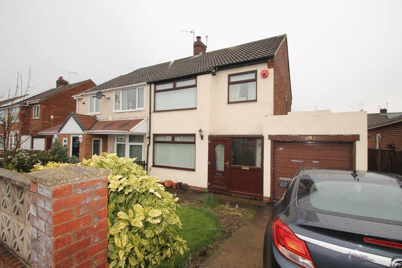3 Bedrooms Semi Detached House for sale in Middlebank Road, Ormesby