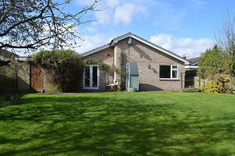 4 Bedrooms Detached Bungalow for sale in Orchard Lane, SAXILBY