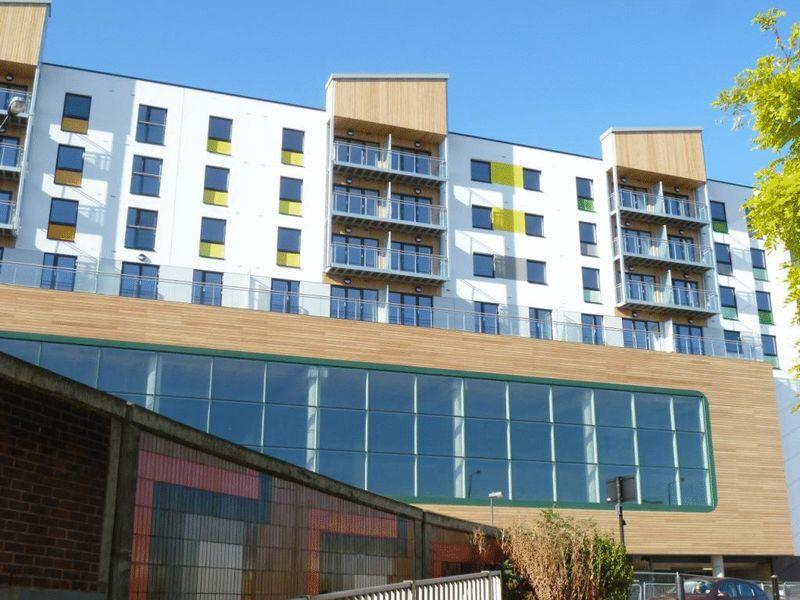 1 Bedroom Flat for sale in Trident Point, Pinner Road, NORTH HARROW, Middlesex, HA1 4FS