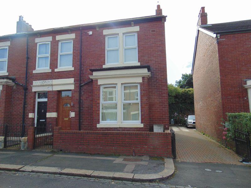 3 Bedrooms Semi Detached House for sale in Sandringham Avenue, Benton, Newcastle Upon Tyne