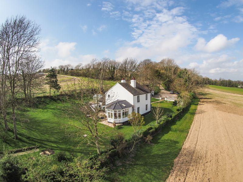 4 Bedrooms Detached House for sale in Annington, Steyning