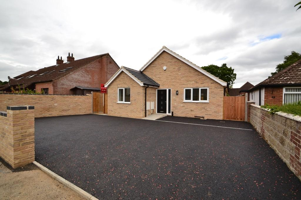 3 Bedrooms Detached Bungalow for sale in Stafford Avenue , Costessey