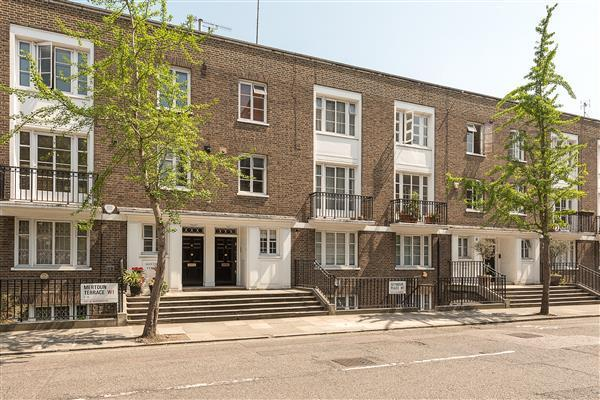 4 Bedrooms Maisonette Flat for sale in Seymour Place W1H 2NF