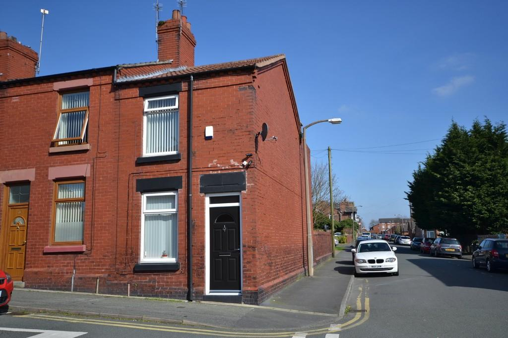 2 Bedrooms End Of Terrace House for sale in Atherton Street, Cowley Hill, St. Helens