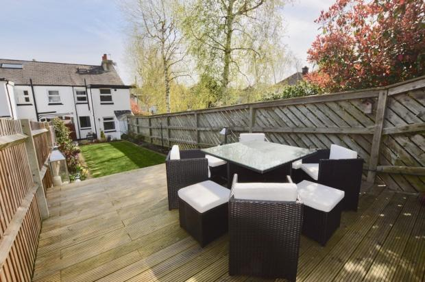 3 Bedrooms End Of Terrace House for sale in Kingston Road, Leatherhead, KT22
