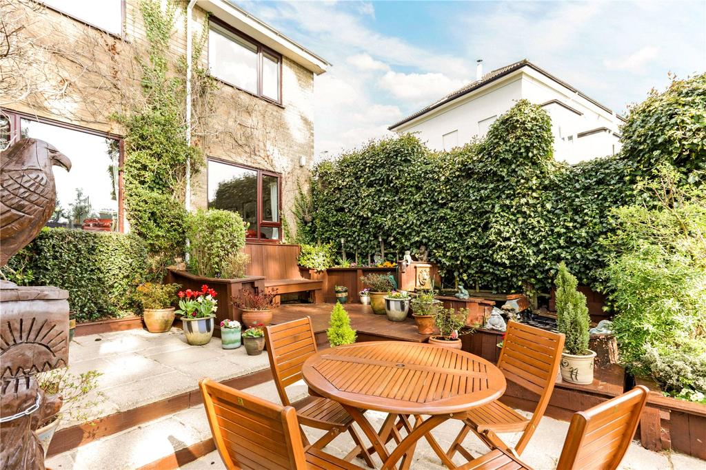 4 Bedrooms Detached House for sale in London Road, Charlton Kings, Cheltenham, Gloucestershire, GL52