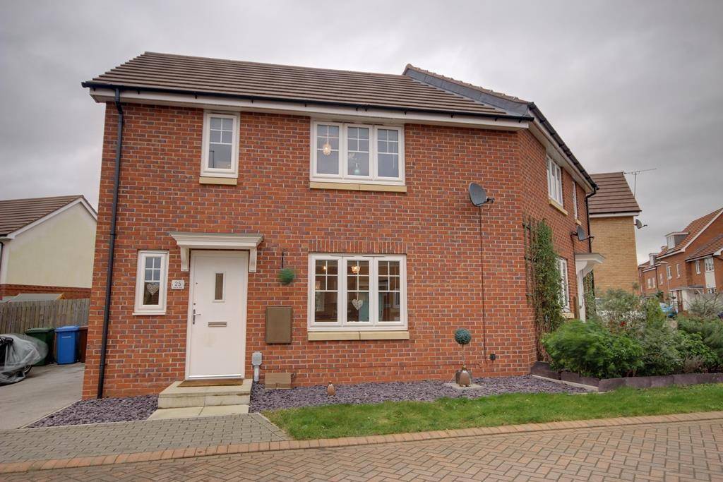 2 Bedrooms Semi Detached House for sale in Hidcote Walk, Ruskin Way, Brough