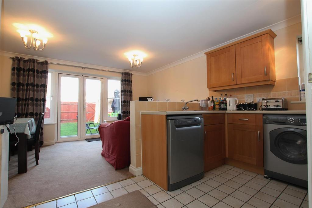 4 Bedrooms End Of Terrace House for sale in Blenheim Road, Eastleigh