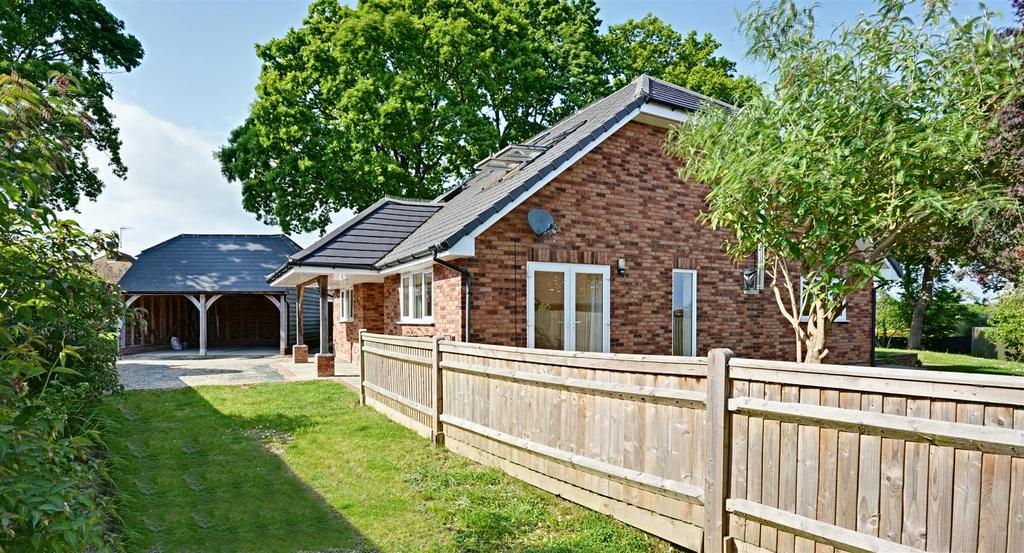 5 Bedrooms Detached House for sale in Gatelands Drive, Bexhill-On-Sea