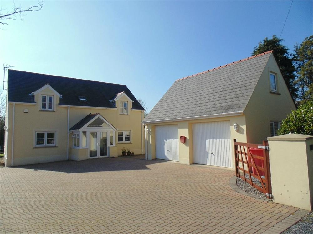 4 Bedrooms Detached House for sale in Lawr-Y-Lon, Castle Pill Road, Steynton, MILFORD HAVEN, Pembrokeshire