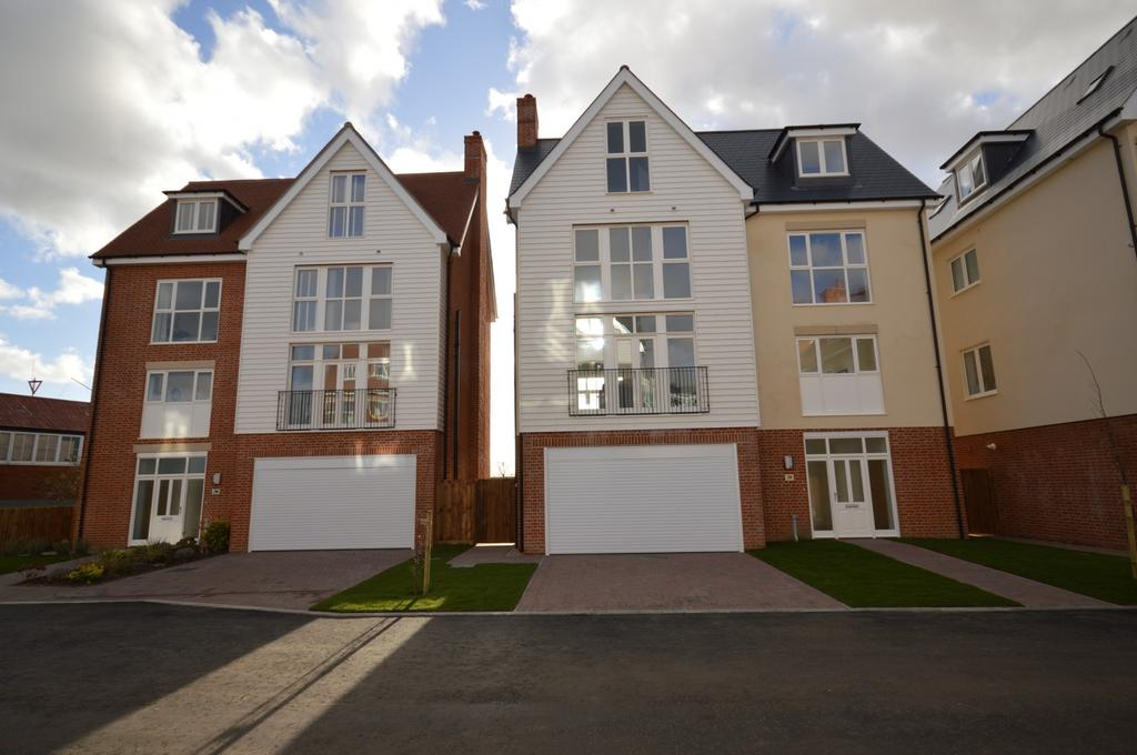 5 Bedrooms Town House for sale in Plot 13 Remembrance Avenue, Burnham-On-Crouch, Essex, CM0